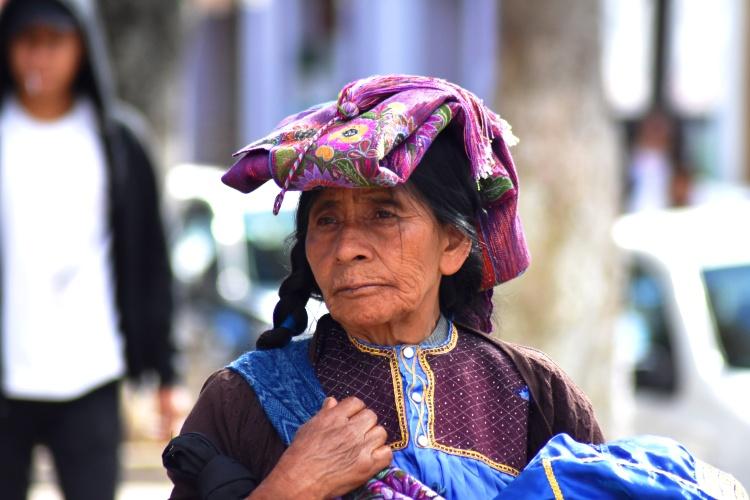 see 5 Chiapas mayan woman